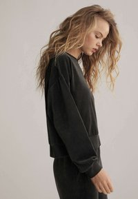 OYSHO - Sweatshirt - black - 2