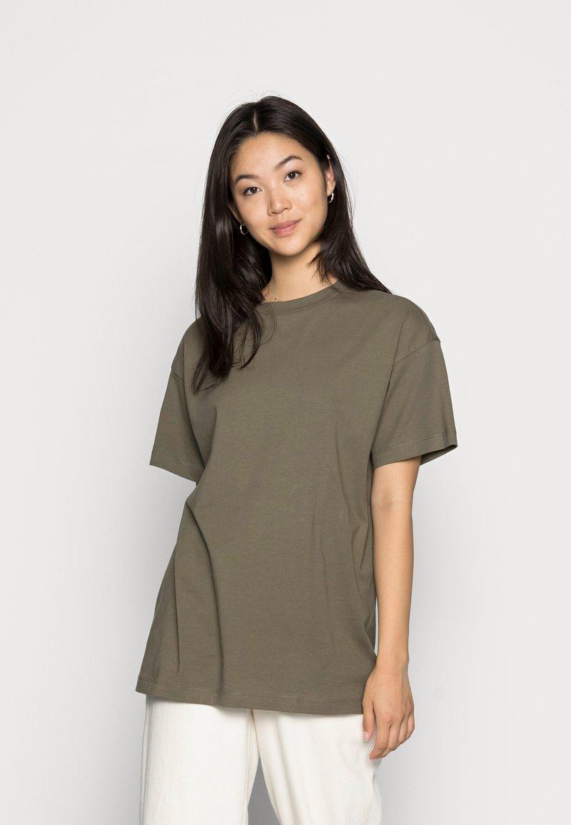 Vero Moda - VMOBENTA OVERSIZED 2-PACK - Basic T-shirt - black & kalamata