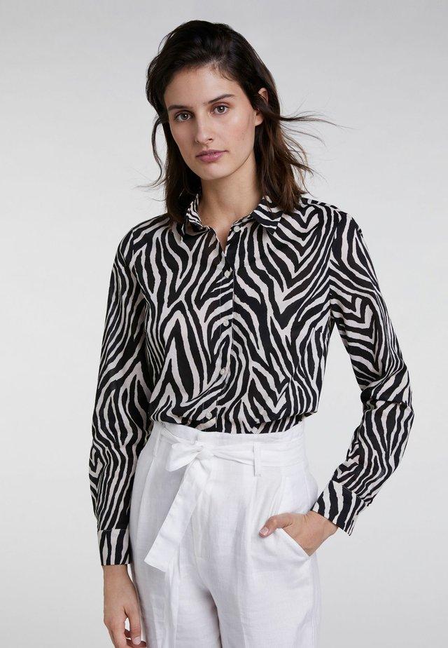 MIT ALLOVER ZEBRADRUCK - Button-down blouse - black/offwhite