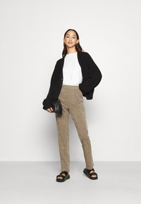 ONLY - ONLALBA AMY PANT - Trousers - tigers eye - 1