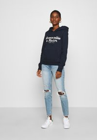Abercrombie & Fitch - KNEE DESTROYED - Jeans Skinny Fit - destroyed denim - 1