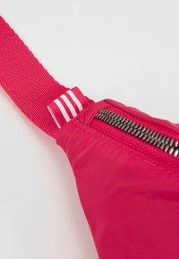 adidas Originals - WAISTBAG - Vyölaukku - pink - 5
