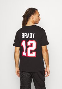 Fanatics - NFL TOM BRADY TAMPA BAY BUCCANEERS ICONIC NAME NUMBER GRAPHIC  - Club wear - black - 2