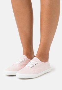 TOM TAILOR - Sneakers basse - bright rose - 0