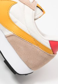 Nike Sportswear - DAYBREAK - Trainers - pale ivory/pollen rise/shimmer/track red/black/white - 5