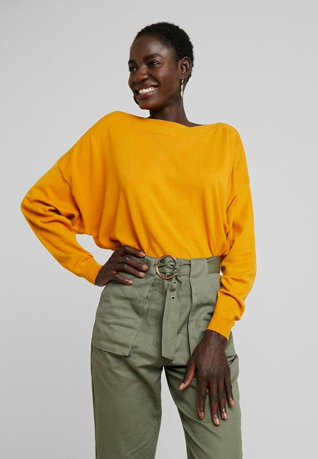 Svetr - golden yellow