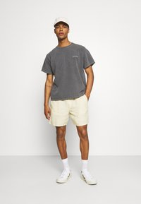 BDG Urban Outfitters - TEE UNISEX - T-shirts - washed black - 1