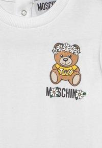 MOSCHINO - SET - Print T-shirt - black - 3