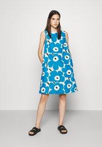 Marimekko - LAINEET PIENI UNIKKO DRESS - Vestido informal - blue/black/off-white - 0