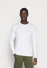Marc O'Polo - LONG SLEEVE ROUND NECK - Långärmad tröja - white - 0