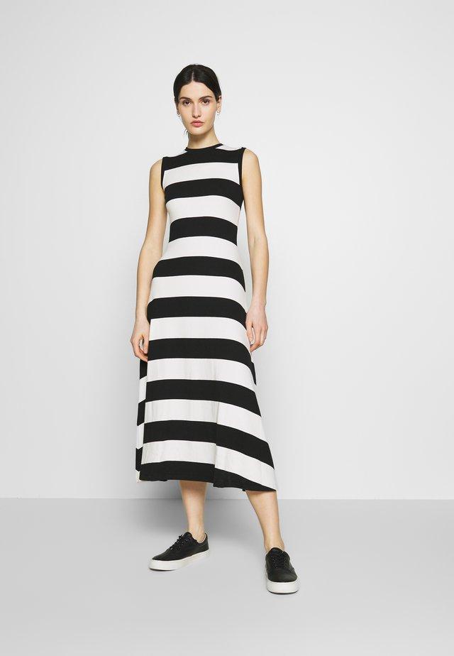 PIMA - Jersey dress - polo black/nevis
