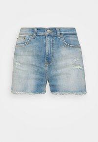 LAYLA - Denim shorts - leona wash