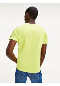 Tommy Hilfiger - Print T-shirt - yellow - 2