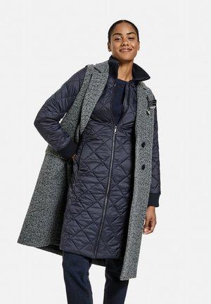 Winter coat - dark lake gemustert