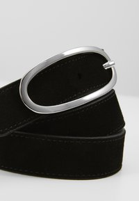 Royal RepubliQ - SATURN SUEDE BELT - Pásek - black - 2