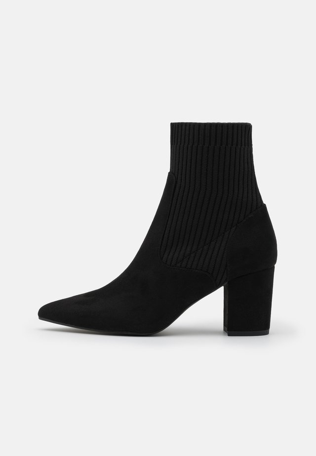 BLOCK HEEL BOOT - Stivaletti - black