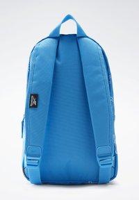 Reebok - SMALL AOP BP - Sac à dos - blue - 1