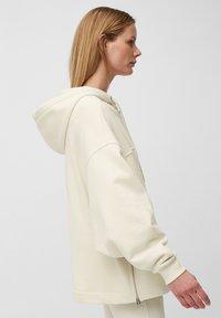 Marc O'Polo - Zip-up sweatshirt - raw cream - 3