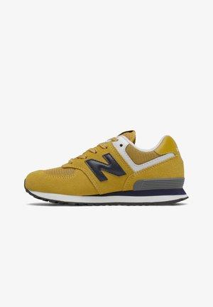 Sneakers laag - varsity gold/pigment
