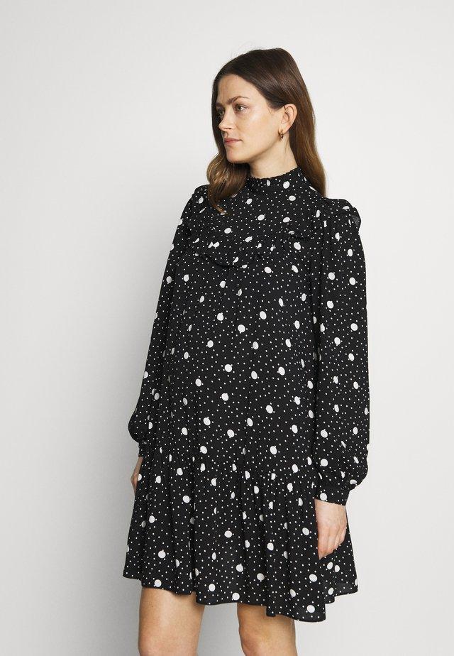 FRILL BIB DRESS  - Vapaa-ajan mekko - black pattern