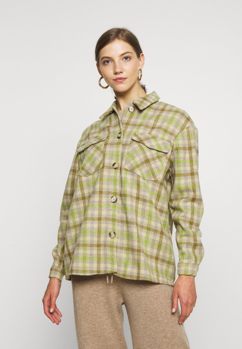 Vero Moda - VMELIN CHECKED OVERSIZED - Button-down blouse - oatmeal/green/blue
