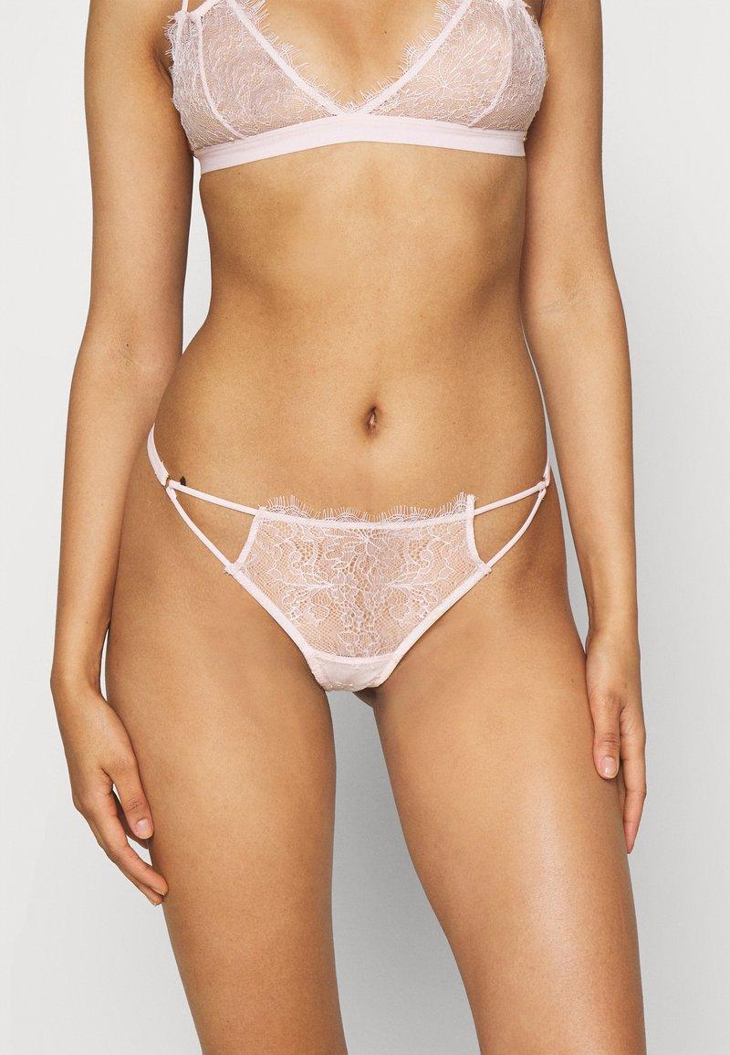 Bluebella - LYRA THONG - Stringit - pale pink