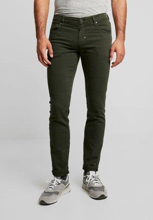 PANTS BARRET - Slim fit jeans - military green