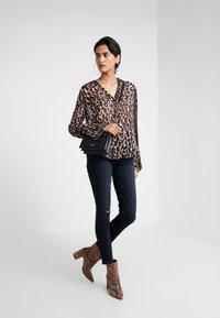 Paige - MARGOT - Jeans Skinny Fit - black lava - 1