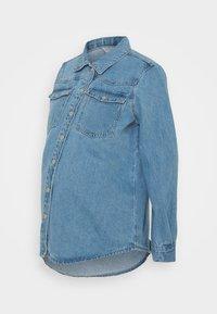 Pieces Maternity - PCMGRAY - Denim jacket - light blue denim - 0