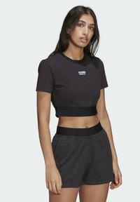 adidas Originals - R.Y.V. CROP TOP - Print T-shirt - black - 2