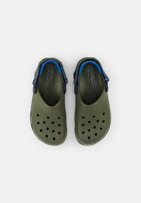 Crocs - CLASSIC ALL TERRAIN CLOG - Sabots - army green/navy - 4