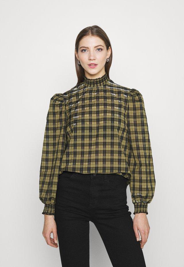 CHECK SHIRRED NECK - Blůza - green pattern