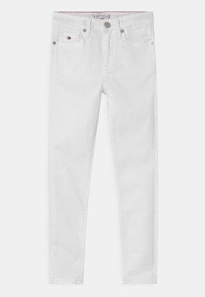 SYLVIA SKINNY - Skinny džíny - bright white