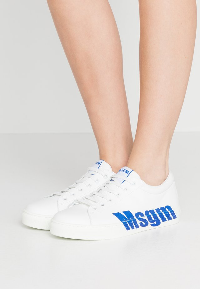 DONNA WOMAN`S SHOES - Sneakers basse - white/blue