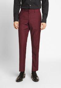 Isaac Dewhirst - TUX - Kostym - bordeaux - 5