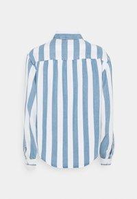 Lee - BOX PLEAT - Button-down blouse - dawn blue - 1