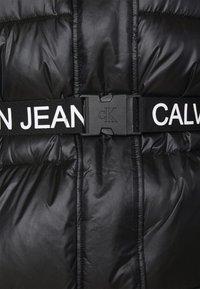Calvin Klein Jeans Plus - LOGO BELT PUFFER - Short coat - black - 5