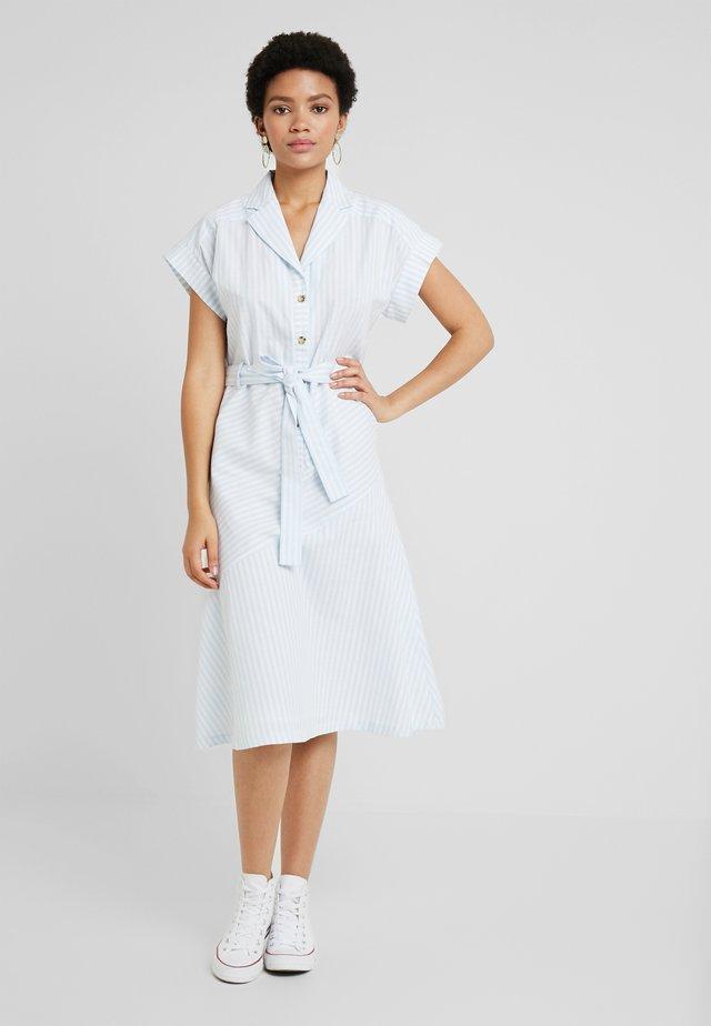 NILO DRESS - Shirt dress - skyway