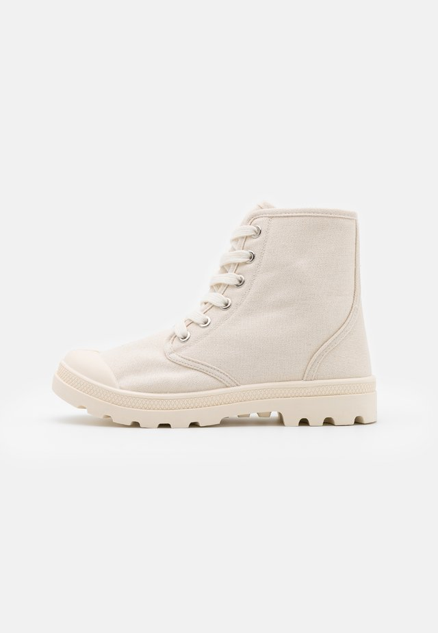 TASH - Ankle boots - ecru