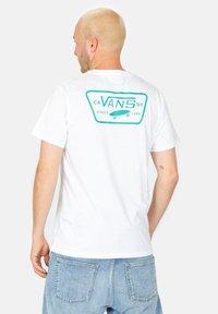 Vans - Print T-shirt - white / porcelain green - 2