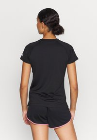 Puma - RUN GRAPHIC TEE - Camiseta estampada - black - 2