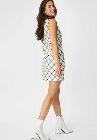 C&A - ARCHIVE - Day dress - white / black - 1