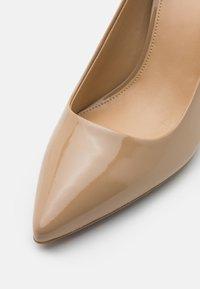 MICHAEL Michael Kors - DOROTHY FLEX - High heels - camel - 5