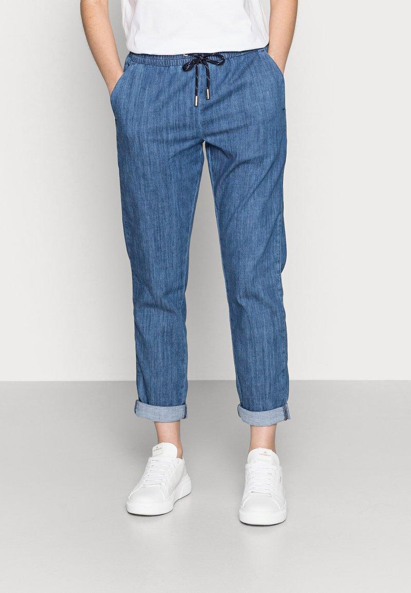Rich & Royal - LIGHT PANTS - Trousers - denim blue
