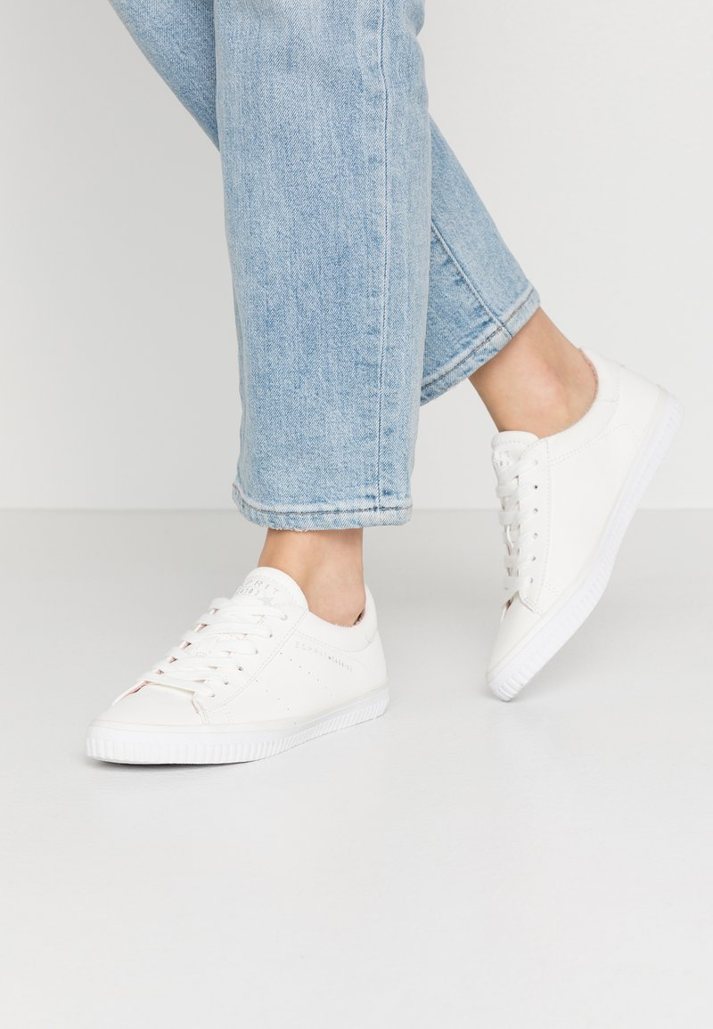 Esprit - RIATA LACE UP - Sneakersy niskie - white