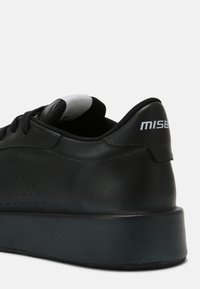 MISBHV - CITY UNISEX - Tenisky - black - 4