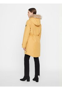 Vero Moda - VMTRACK EXPEDITION - Winter coat - gold - 2