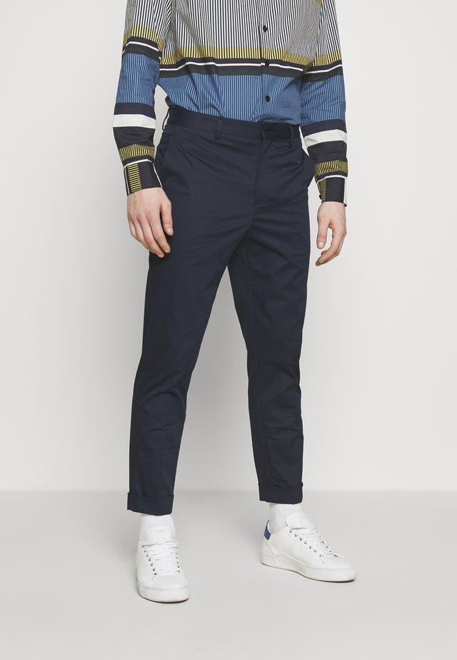 ARTHUR-FINE GABARDINE  - Trousers - navy