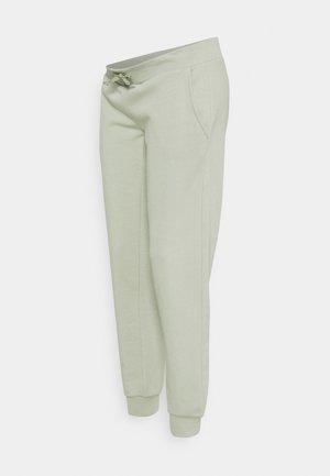 PCMPIP PANTS - Teplákové kalhoty - desert sage