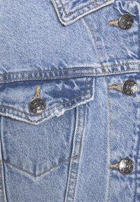 ONLY Petite - ONLMALIBU LIFE JACKET - Denim jacket - light blue denim - 2